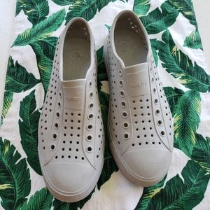 🌿Native Jefferson Unisex Gray Sneakers Size 7🌿